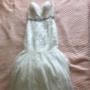 Sweetheart trumpet lace wedding dress